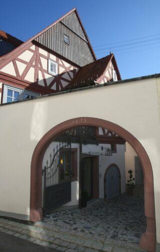 XXXXXXX in Garmisch-Partenkirchen (Oberbayern) ein (Foto vom XXXXXXXXXX.02.2011). Foto: Karl-Josef Hildenbrand dpa/lby